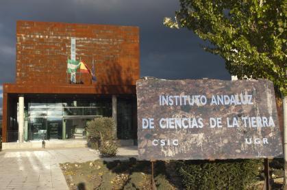 Imagen de portada de Instituto Andaluz de Ciencias de la Tierra (IACT)