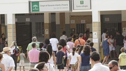 Imagen de portada de 840 empleos administrativos en colegios de Andalucia