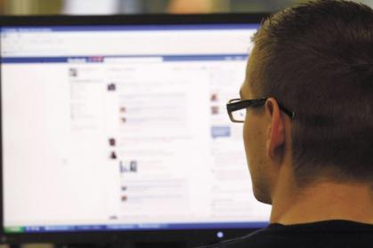 Imagen de portada de Cara a cara en las redes para el empleo