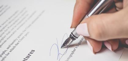 Imagen de portada de Reflexiones en torno a la prueba de aptitud de acceso a la abogacía