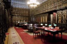Imagen de portada de Quince becas de formación archivística, documental y bibliotecaria, relacionada con la actividad oficial del Senado