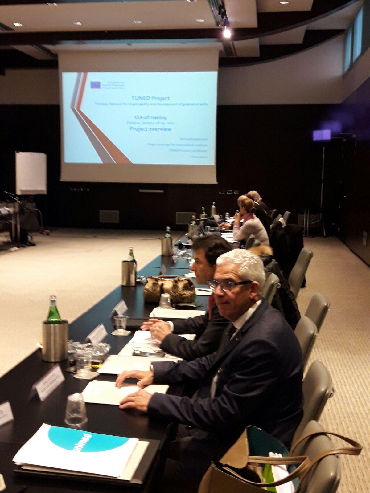 Imagen de portada de La UGR en TUNED, mejor práctica Erasmus de empleabilidad