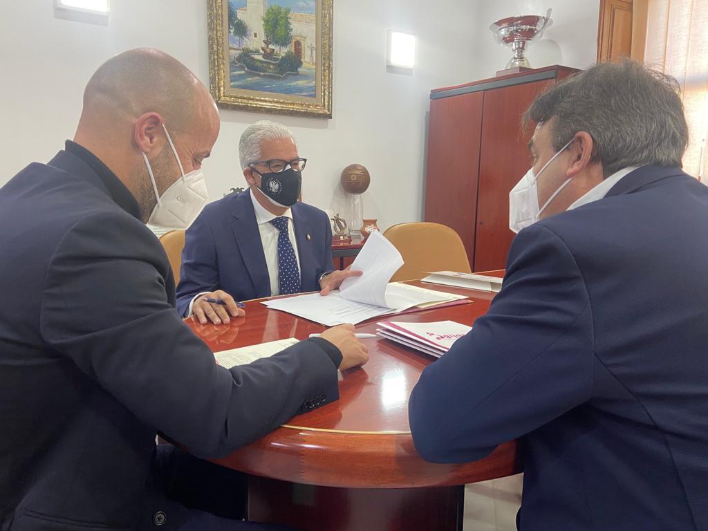 Imagen de portada de Convenio de colaboración entre la UGR y el Ayuntamiento de Ogíjares