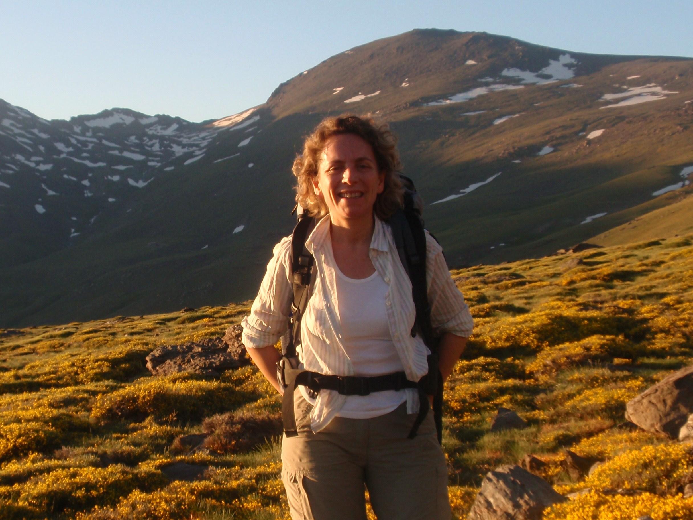 Imagen de portada de Carmen Pérez Martínez, Catedrática de Ecología de la UGR y Coordinadora del Grado en Biología