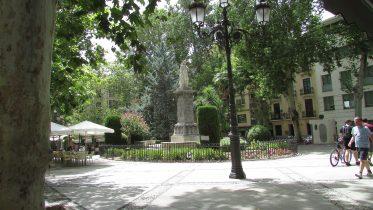 Plaza_de_Mariana_Pineda,_2